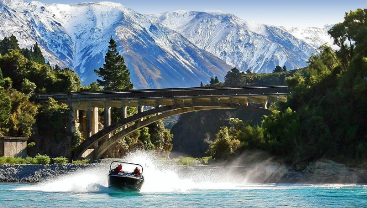 Terrace Downs Resort, Christchurch, jet boating
