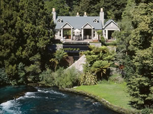 Huka Lodge Owners Cottage 4 for 3