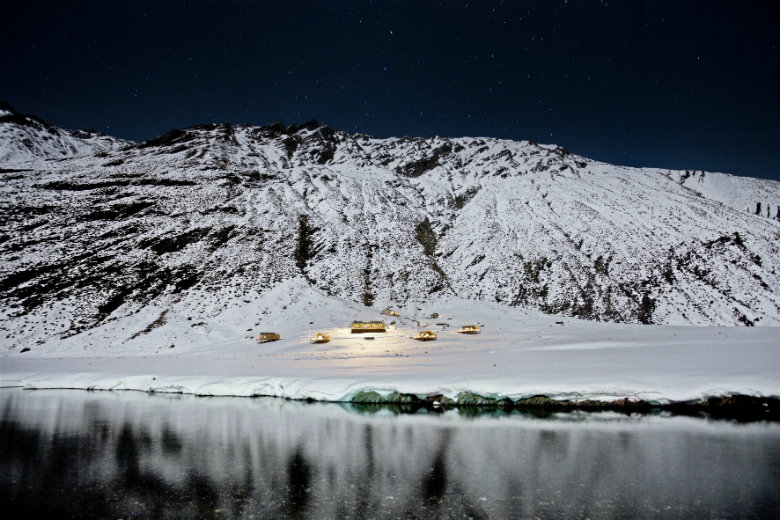 Experience clear black skies at Minaret Station in winter