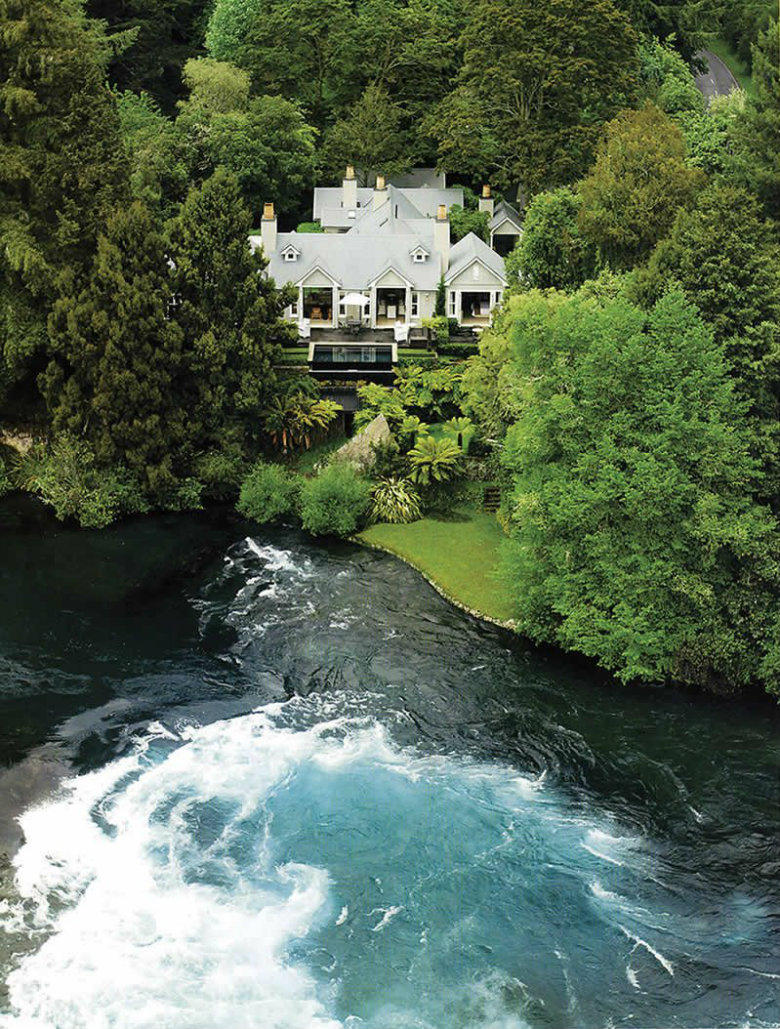 Huka Lodge from helicopter