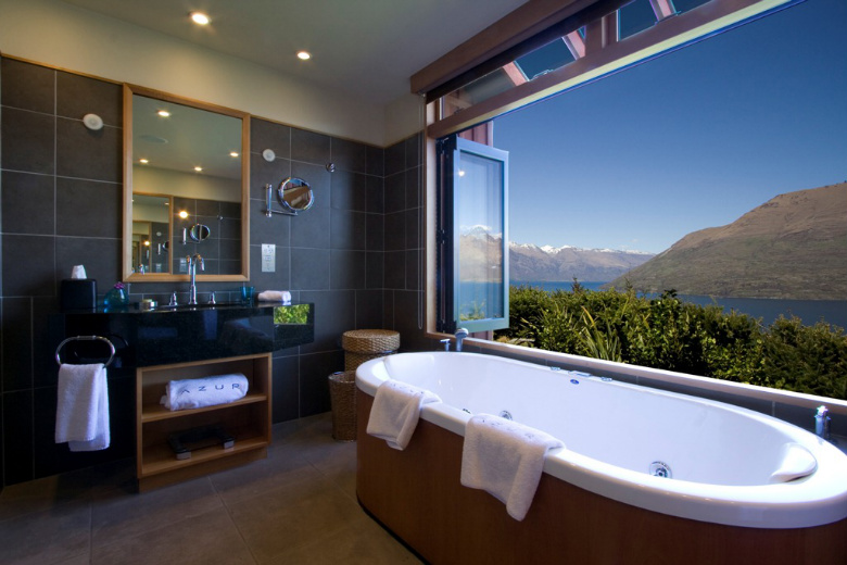 The outlook is fantastic for azur lodge luxury south for Bathroom decor nz