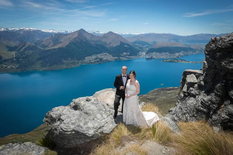 Frank and Aileen heli-wedding overlooking Lake Wakatipu