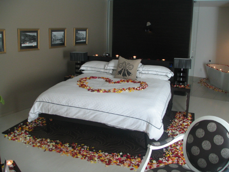 Sophistication style in queenstown luxury south - Romantic ideas hotel room ...