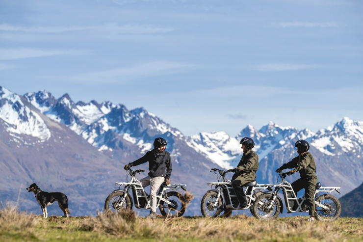 Enjoy the New Zealand landscape in silence via electric trail bikes.