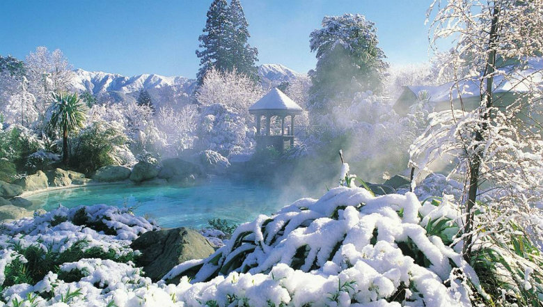Combining thermal hot springs and Waipara wine tasting is a great activity in the Christchurch and Canterbury region.