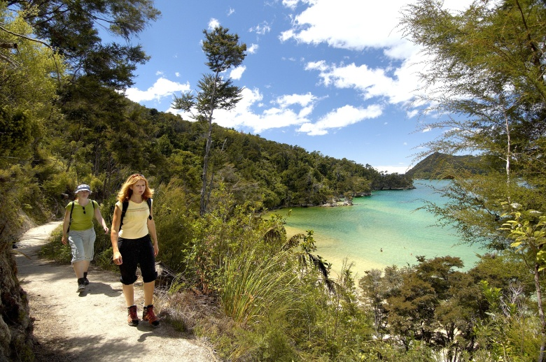 Hiking through Abel Tasman