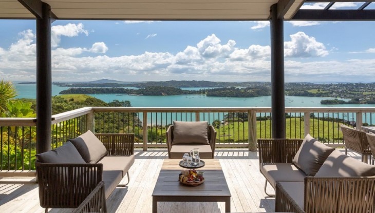 Te Whau Lodge deck