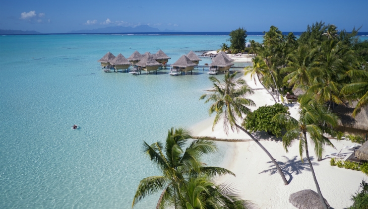 Intercontinental Le Moana Resort Bora Bora, beach